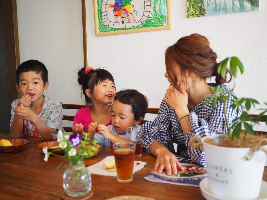 神社亜友美の家族写真